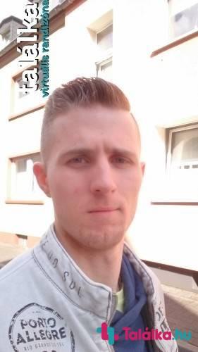 19 éves srác, 29 éves társkereső
