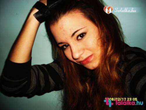 18 éves fiú társkereső 24 éves nő