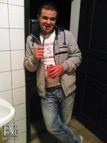 Roberto 24 társkereső