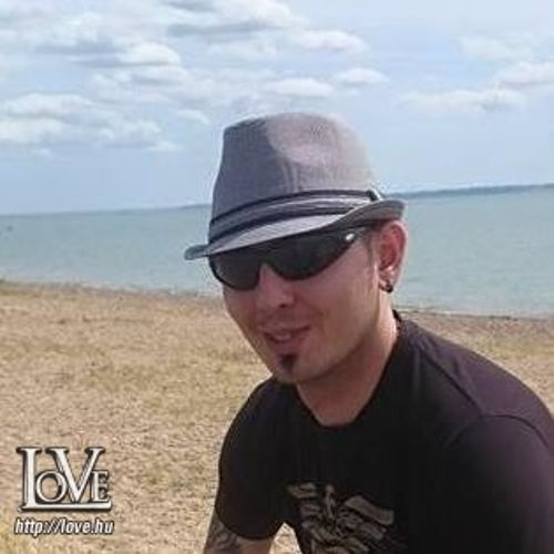 Joey85 társkereső