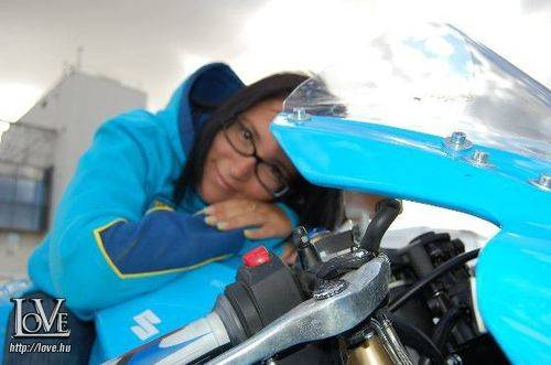 Motogirl46 társkereső