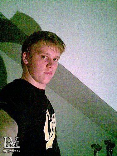 Chriss18 társkereső
