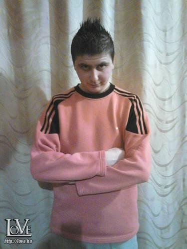 László15 társkereső