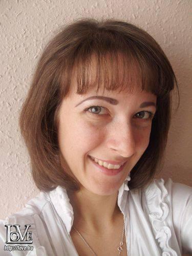 Alice White társkereső