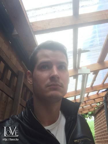 Adam19890818 társkereső