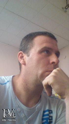 István 19840902 társkereső