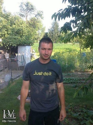 m.Zoltán27 társkereső