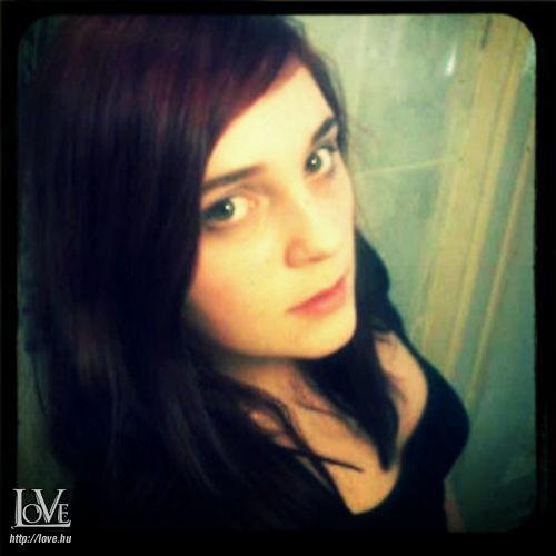 Emma992 társkereső