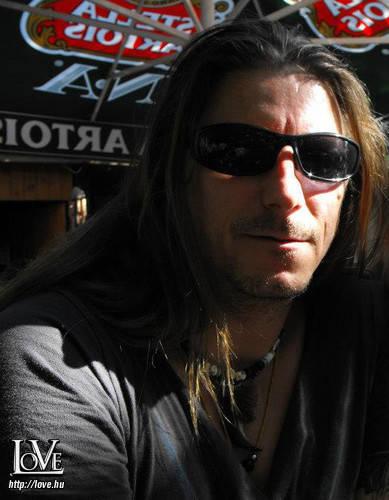 Alex.J.T. társkereső