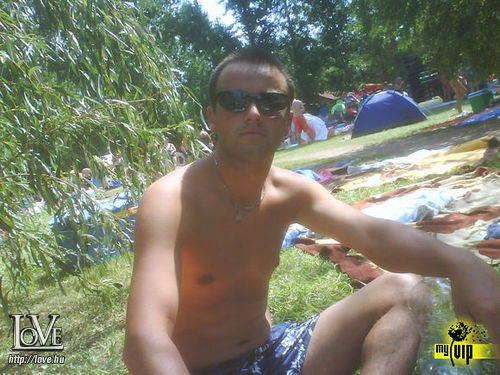 Bató Tibor társkereső
