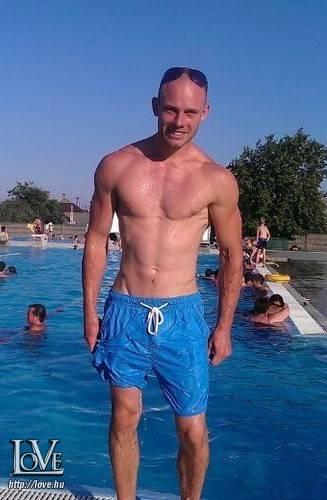 Tiborko68 társkereső