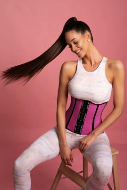 <a href='https://legalbeauty.com.au/product/Tokyo-Super-pink-XXS/102?sc=gPup&imId=900' class='click-link'> Tokyo - Lyukacsos alakformáló fűző - Szuper rózsaszín | Product details >></a>