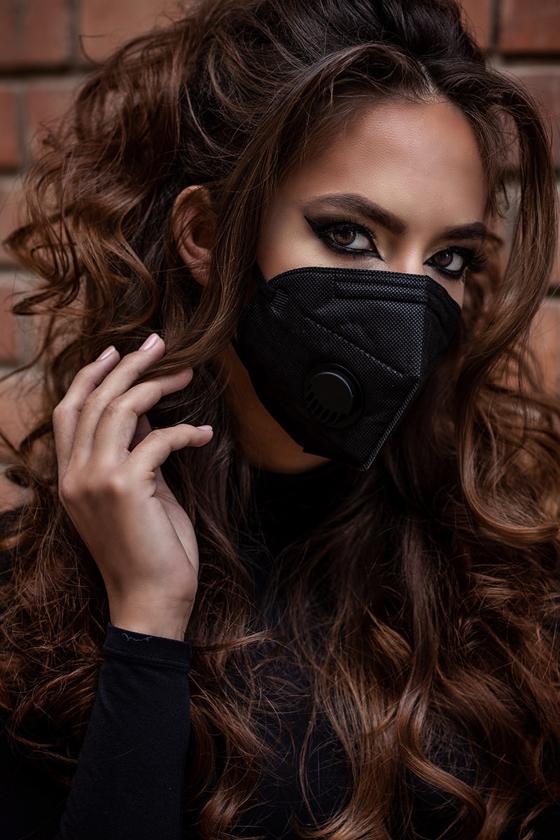 FFP2  (N95/KN95) 6 rétegű maszk - szelepes - fekete