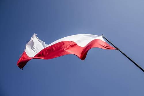 Kemény lengyel döntés: zárva lesznek a temetők a Mindenszentek ünnepe körüli napokon