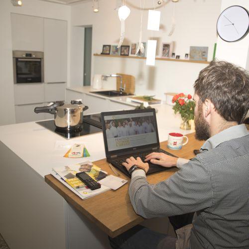 Home office, vagyis otthoni munka - mire kell odafigyelni, hogy működjön?