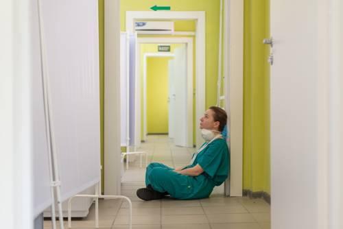 Nehéz és fájdalmas, amikor rákötik a beteget a lélegeztetőgépre