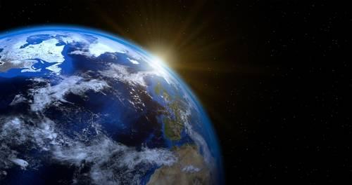 A fertőzöttek száma 235,3 millió, a halálos áldozatoké 4,808 millió a világon
