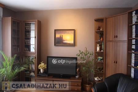 Eladó  családi ház Salgótarján, 13.900.000 Ft, 80 négyzetméter