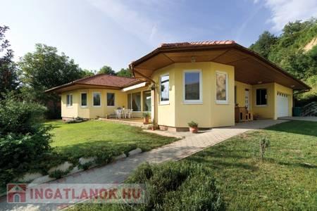 Eladó  ház Pilisvörösvár, 30.000.000 Ft, 70 négyzetméter
