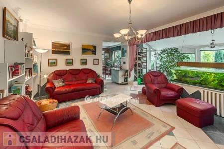 Eladó  családi ház Salgótarján, 39.900.000 Ft, 260 négyzetméter