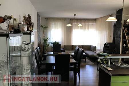 Eladó  ház Dunakeszi, 54.000.000 Ft, 142 négyzetméter