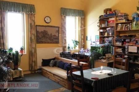 Eladó  lakás Budapest VI. ker, 42.900.000 Ft, 78 négyzetméter