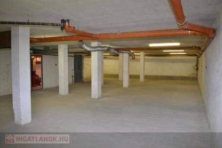Eladó  lakás Zalaegerszeg, 20.000.000 Ft, 182 négyzetméter