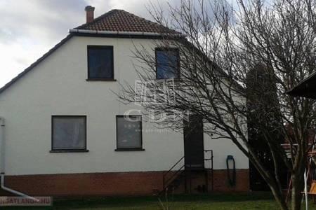 Eladó  ház Szolnok, 35.900.000 Ft, 192 négyzetméter