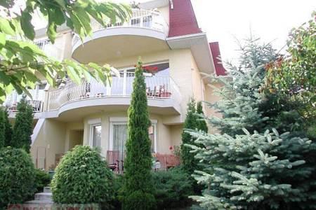 Eladó  családi ház Budapest II. ker, 220.000.000 Ft, 270 négyzetméter