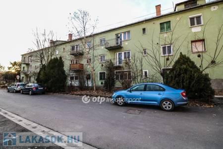 Eladó  lakás Békéscsaba, 13.900.000 Ft, 53 négyzetméter