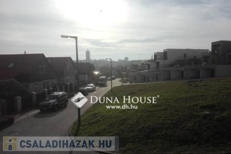 Eladó  családi ház Veszprém, 46.000.000 Ft, 98 négyzetméter