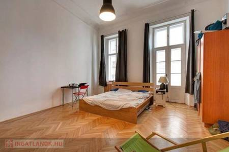 Eladó  ház Budapest V. ker, 555.000.000 Ft, 450 négyzetméter