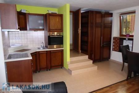 Eladó  lakás Pécs, Mecsekoldal, 18.500.000 Ft, 49 négyzetméter