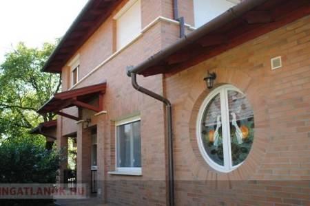 Eladó  ház Dunakeszi, 104.900.000 Ft, 211 négyzetméter