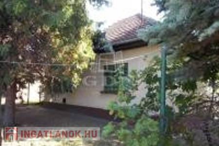 Eladó  ház Szolnok, 10.950.000 Ft, 63 négyzetméter