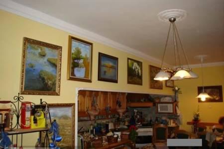 Eladó  családi ház Veszprém, 52.000.000 Ft, 238 négyzetméter