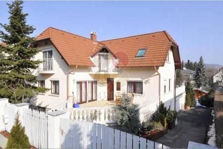 Eladó  ház Nagykovácsi, 75.000.000 Ft, 380 négyzetméter