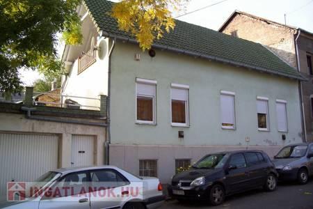 Eladó  ház Pécs, Havihegy, 23.900.000 Ft, 281 négyzetméter