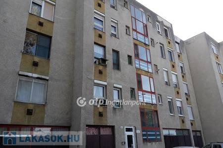 Eladó  lakás Békéscsaba, 12.900.000 Ft, 73 négyzetméter