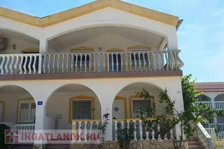 Eladó  üdülő/nyaraló Balaton, 95.000 €, 69 négyzetméter