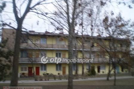 Eladó  lakás Dunaújváros, 4.305.000 Ft, 45 négyzetméter