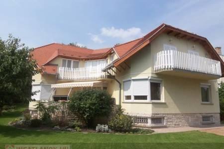 Eladó  családi ház Budapest XI. ker, 230.000.000 Ft, 460 négyzetméter